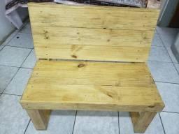 Banco de madeira