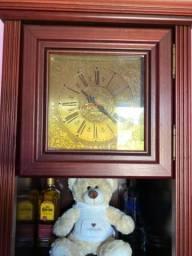 Relógio de coluna, números romanos