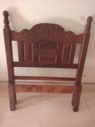 Vende-se ou troca cama de madeira!