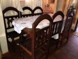 Vendo mesa de madeira maciça nova
