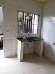 Alugo Casa de 2 Cômodos em Caieiras