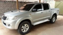 HILUX 3.0 2014 4X4 DIESEL MANUAL COMPLETO. *