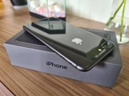 IPhone 8 Plus 64 gigas em estado de novo