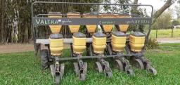 Vendo plantadeira valtra e pulverizador montana 600l