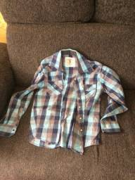 Duas camisas G