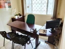 Conjunto de escritório - Mesa L, balcão e Cadeira