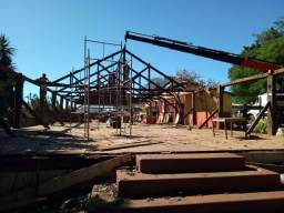 Estrutura para Barracão ou Casa Tesouras e Mourão de Madeira Peroba