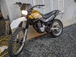 XT / motor de Strada 200cc