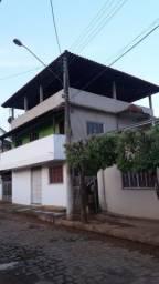 Casa grande 2 andares e um terraço