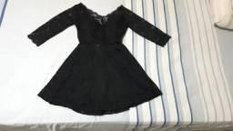 Vestido de Renda Preto - Tamanho P/M