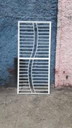 Portas e janelas e churrasqueira