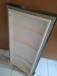 Porta de geladeira consul frost free.