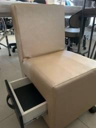 Título do anúncio: Cadeira para manicure com espuma injetada
