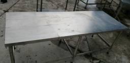 Bancada em aço inox 1,90 X 0,70 X 0,70 de altura