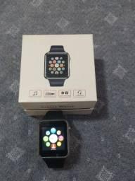 Smartwatch atende e recebe ligações, notificações do Facebook/Wattsapp