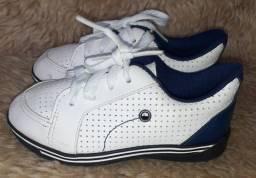 Tênis  branco e azul da Molekinho  número  22