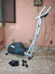 Elíptico + 2 halters 4kg + 2 pesos pra perna 4kg