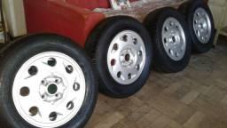 Rodas aro 13 Furação 4x100 com pneus 175/70