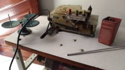 Máquina Overlock industrial - Union Special