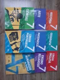 Livros da Adventista 7 ano muito bem cuidados