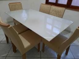 Sala de janta nova com 6 cadeiras