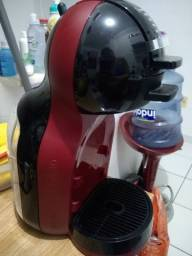 Cafeteira dolce gusto.