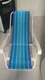 Duas cadeiras de praia por 100$