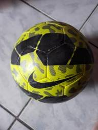 Bola de Futsal semi-nova