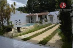Linda casa com uma excelente área gourmet/piscina na ilha
