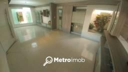Casa de Condomínio com 3 quartos à venda, 240 m² por R$ 700.000 - Quintas do Calhau