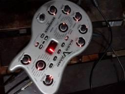 Pedaleira Bass V-Amp vendo ou troco em celular ou estação de solda