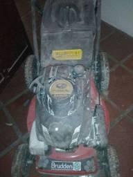 Máquina de cortar grama de carrinho
