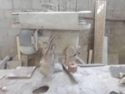 Furadeira de coluna para mármores e granitos marca Marinaro motor 1,5cv trifásico