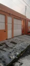 Casa no Parque das Laranjeiras com 2 Suítes