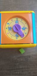 Brinquedo cubo de atividad