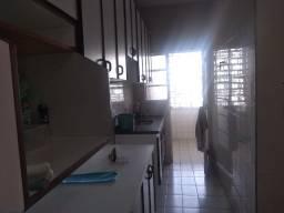 Oportunidade! Apto no Centro de Sjc/ 3 dorms / 2 banheiros/ 95m2