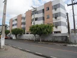 Apartamento c/ 03 + DCE p/ alugar nos Bairro dos Bancários - Cód. 2449