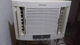 Ar condicionado Electrolux 10 mil btus 127vts (classe A) economia de energia