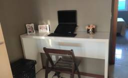 Escrivaninha. Bancada. Mesa Escritório