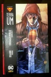 Título do anúncio: SUPERMAN TERRA UM BATMAN O CAVALEIRO DAS TREVAS edição Definitiva