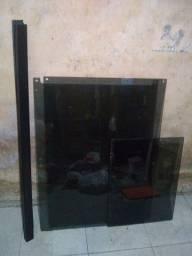 Janela + mesinha de parede ambos de vidro fumê