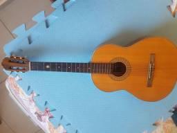 Vendo violão.