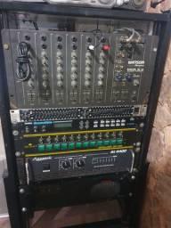 Case com amplificadores