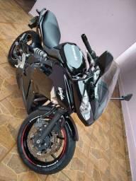 Kawasaki Ninja 650 cilindradas