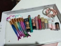 Kit de maquiagens novas