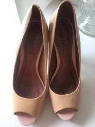 Vendo sandália schutz 40,00$