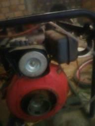 Vende-se ou troca no motor gerador a diesel