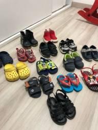 Lote de 14 pares de calçado MENINO tam 18 ao 22