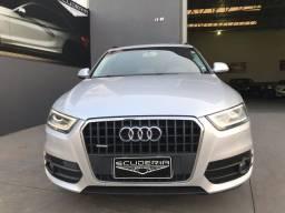Audi Q3, impecável .