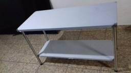 Mesas 100% inox tampo e estrutura